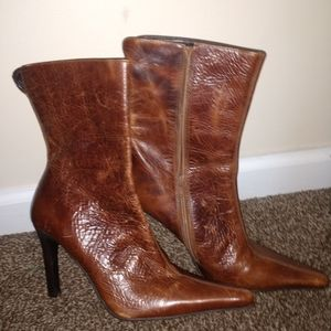 Triall distressed half calf leather boots